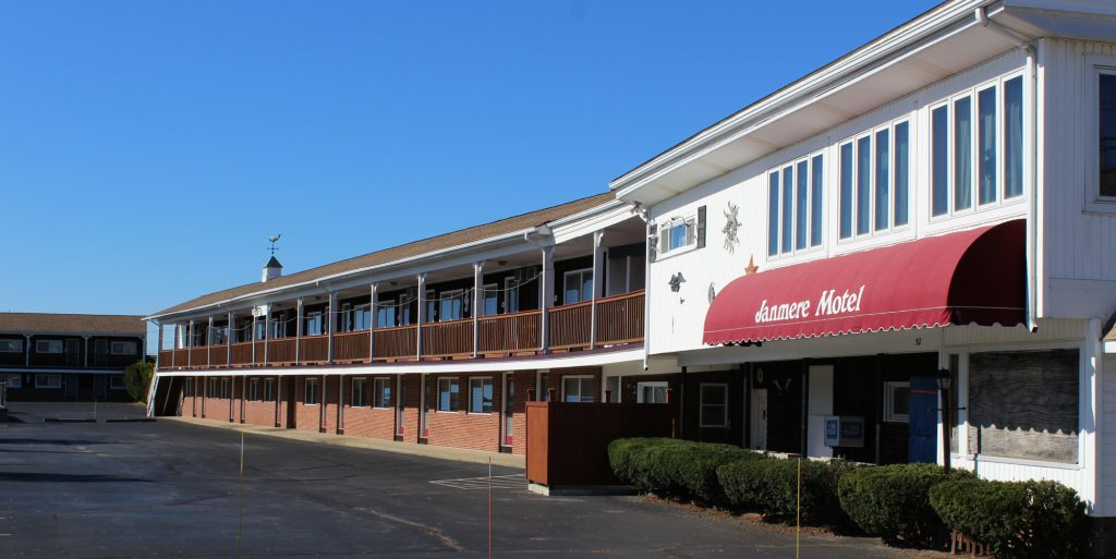 Janmere Motel Office And Exterior