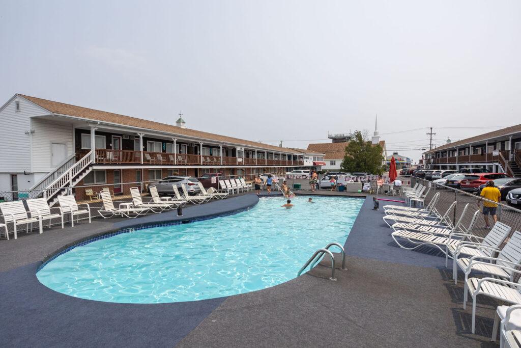 Janmere Hampton Beach Outdoor Pool